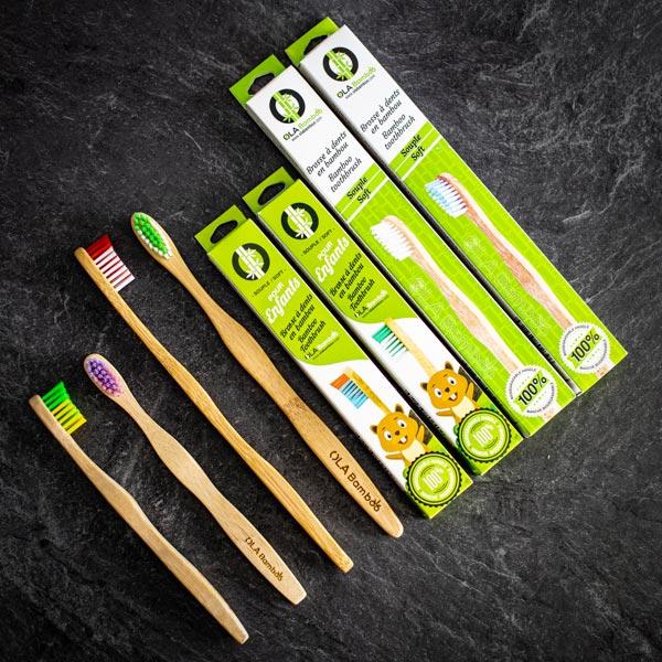 Paquet familial de brosses a dents en bambou avec emballage recyclable